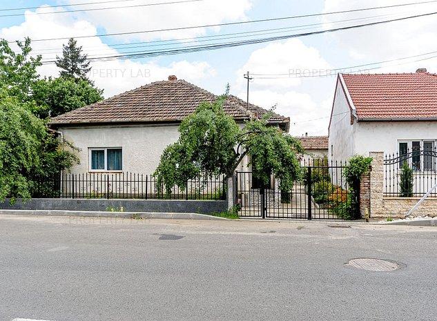 Casa cu teren de 1665 mp in Micalaca - imaginea 1