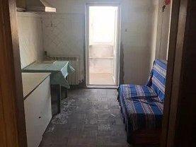 Apartament de vânzare 4 camere, în Tulcea, zona Piata Noua