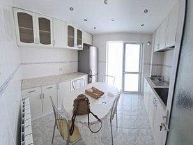 Apartament de vânzare 3 camere, în Tulcea, zona Piaţa Nouă