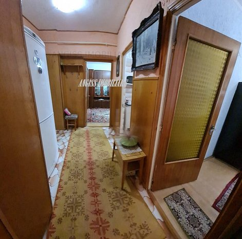 Apartament cu 2 camere str Babadag etajul 2 -central-mobilat - imaginea 1