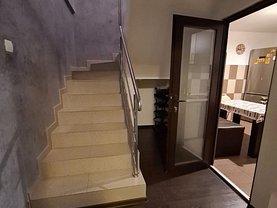 Apartament de vânzare 5 camere, în Tulcea, zona Babadag