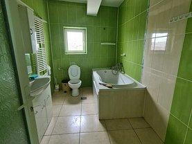 Apartament de închiriat 4 camere, în Tulcea, zona Central