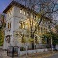 Apartament de închiriat 10 camere, în Bucuresti, zona Universitate