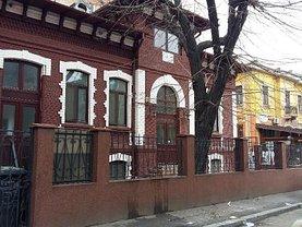 Casa de închiriat 11 camere, în Bucuresti, zona Rosetti