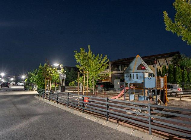 Senzatie de vila Swan Lake Village - 2 minute de metrou - imaginea 1