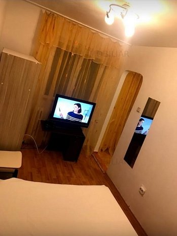 Apartament 2 camere renovat zona Tomis Nord - Liceul Decebal - imaginea 1