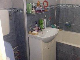 Apartament de vânzare 3 camere, în Pitesti, zona Craiovei