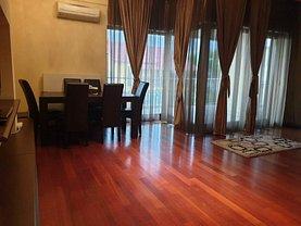 Apartament de închiriat 3 camere, în Piteşti, zona Teilor