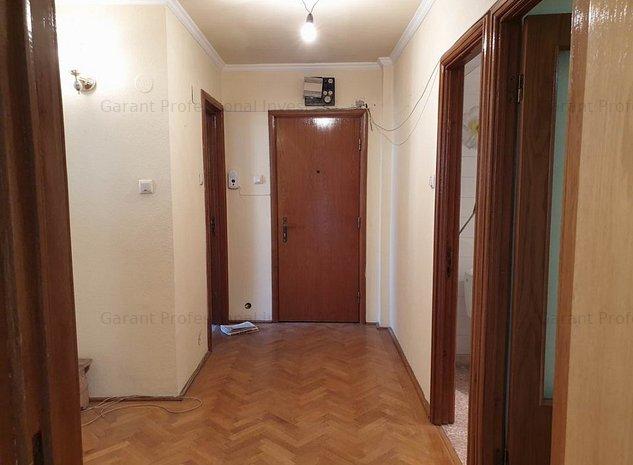 Apartament  3 camere  Ultracentral, spatios, et. 2/9, birou sau rezedential.  - imaginea 1