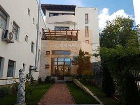 Casa de închiriat 6 camere, în Pitesti, zona Fratii Golesti