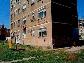 Apartament de vânzare 2 camere, în Carei, zona Central
