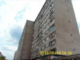 Apartament de vânzare 3 camere, în Resita, zona Govandari