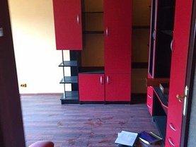 Apartament de vânzare 3 camere, în Arad, zona Periferie