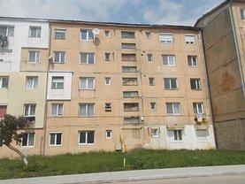 Apartament de vânzare 2 camere în Otelu Rosu, Central