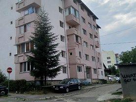 Apartament de vânzare 3 camere, în Zalău, zona Central
