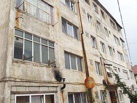 Apartament de vânzare 2 camere, în Oraviţa, zona Central