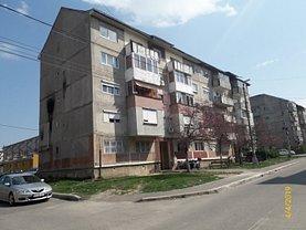 Apartament de vânzare 3 camere în Bocsa, Est