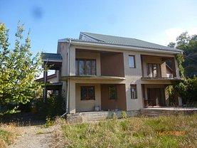 Casa de vânzare 4 camere, în Onesti
