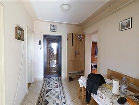 Apartament de vânzare 4 camere, în Iaşi, zona Podu Roş