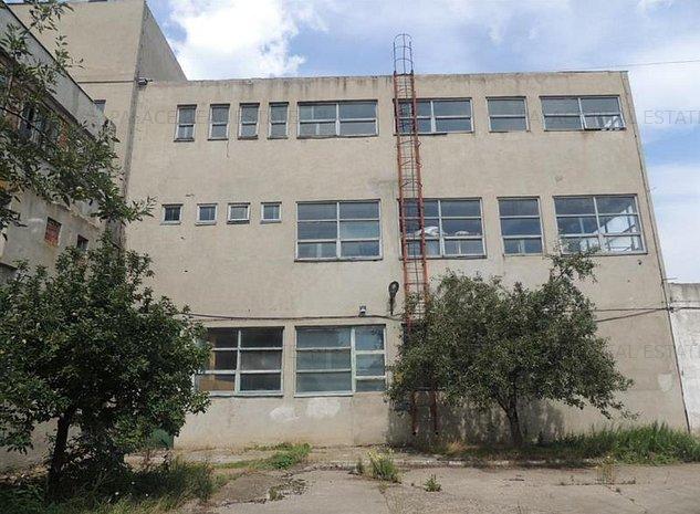 Vanzare spatiu industrial pentru productie sau depozitare la 70 km de Iasi - imaginea 1
