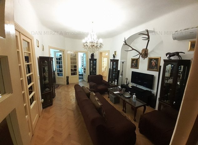 Apartament 5 camere de inchiriat Universitate(pretabil birou/notariat/salon) - imaginea 1