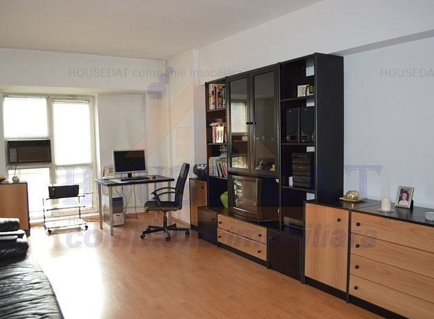 vanzare apartament 4 camere stradal, B-dul Decebal, 108 mp - imaginea 1