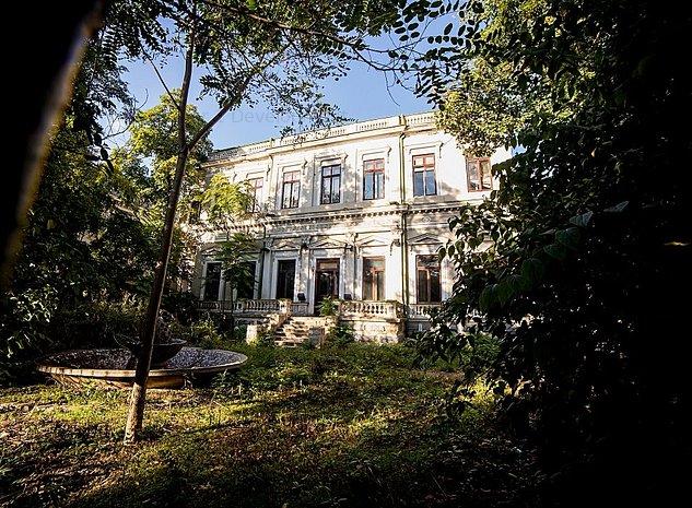 PALATUL CANTACUZINO Zona VICTORIEI - Restaurat si Inchiriat - pentru investitie - imaginea 1