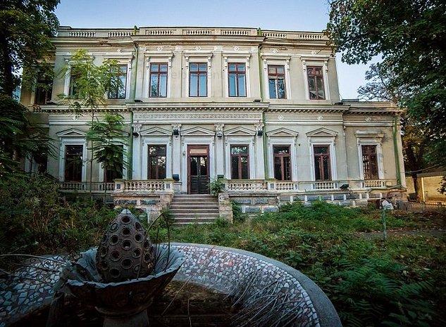 Palatul Cantacuzino inchiriat si restaurat - imaginea 1