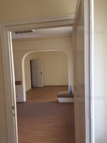 Universitate - KFC, vanzare apartament 5 camere - imaginea 1