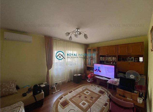 Royal Imobiliare - Vanzari Apartamente 3 camere zona Mihai Bravu - imaginea 1