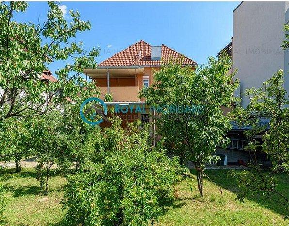 Royal Imobiliare- vanzare vila stil neoromanesc - imaginea 1