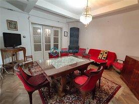 Casa de vânzare 6 camere, în Ploieşti, zona Democraţiei