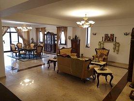 Casa de vânzare 15 camere, în Snagov