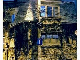 Casa de vânzare sau de închiriat 4 camere, în Bucureşti, zona Moşilor
