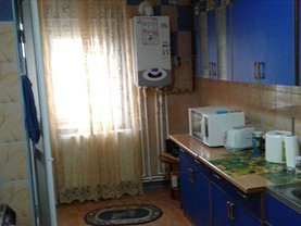 Apartament de vânzare 4 camere, în Constanta, zona Poarta 6