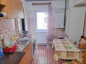 Apartament de vânzare 3 camere, în Constanta, zona Tomis II