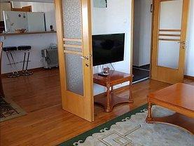 Apartament de închiriat 4 camere, în Constanţa, zona Stadion