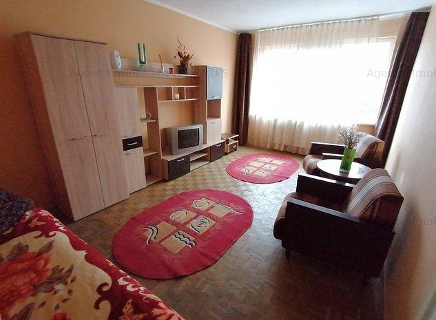 2 camere centru stradal etaj 3 centrala termica - imaginea 1