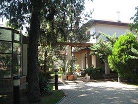 Casa de închiriat 10 camere, în Balotesti
