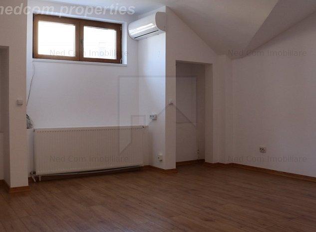 Vanzare apartament 4 camere Armeneasca - Apartament la Mansarda din D+P+M - imaginea 1