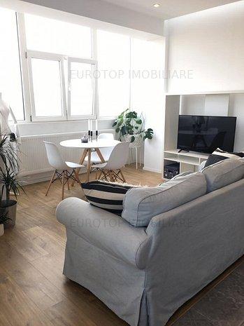 Apartament mobilat si utilat cu vedere la parcul Cismigiu - imaginea 1