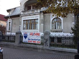 Casa de închiriat 15 camere, în Bistrita, zona Ultracentral