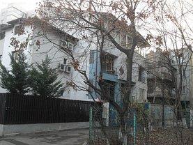Casa de închiriat 8 camere, în Bucuresti, zona Titulescu