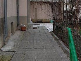 Casa de închiriat 3 camere, în Bucureşti, zona Banu Manta