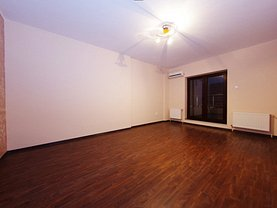 Apartament de vânzare 3 camere în Galati, Vest