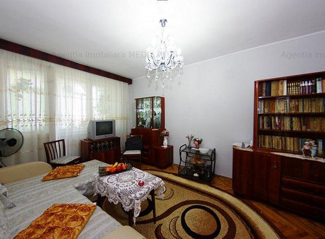 Apartament cu 3 camere decomandat Mazepa 2 - imaginea 1