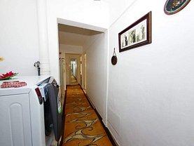 Apartament de vânzare 4 camere în Galati, Micro 20