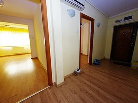 Apartament de vânzare 3 camere în Galati, Mazepa 1