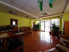 Casa de închiriat 10 camere, în Galati, zona Ultracentral