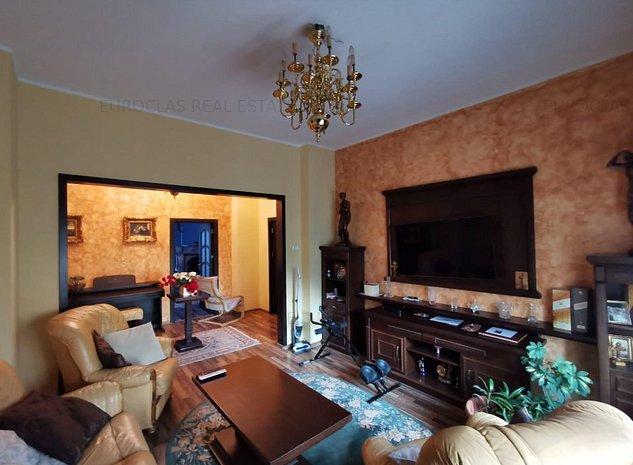 Apartament 5 camere - Centru-Piata Ovidiu - 210.000 euro (E7) - imaginea 1